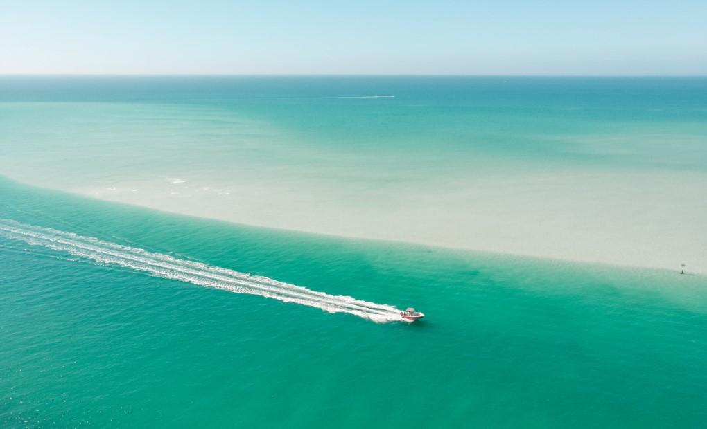 Boating in beautiful Sarasota Florida