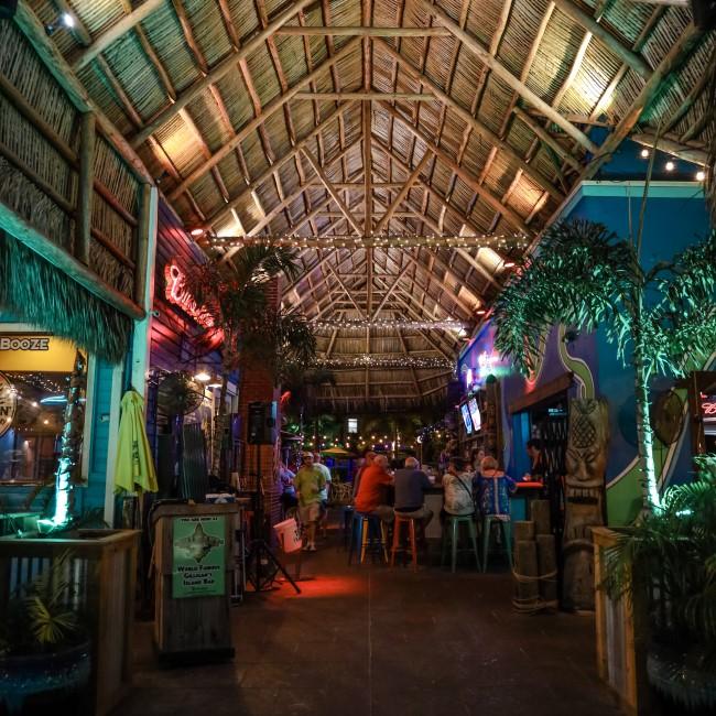 restaurant nightlife